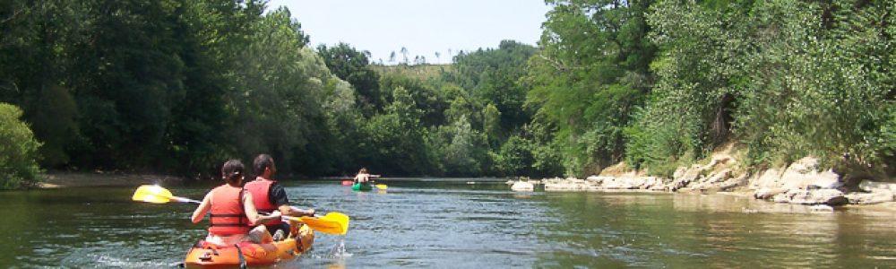 ambiance tranquille de canoe sur l'ariege